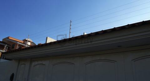 Cercas Eléctricas en casa sobre teja