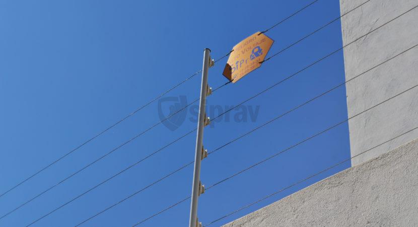Instalación de Cerca Electrificada sobre muro.